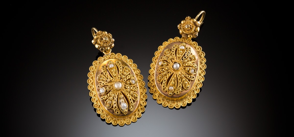 Antique gold, filigree and seed pearl oval earrings