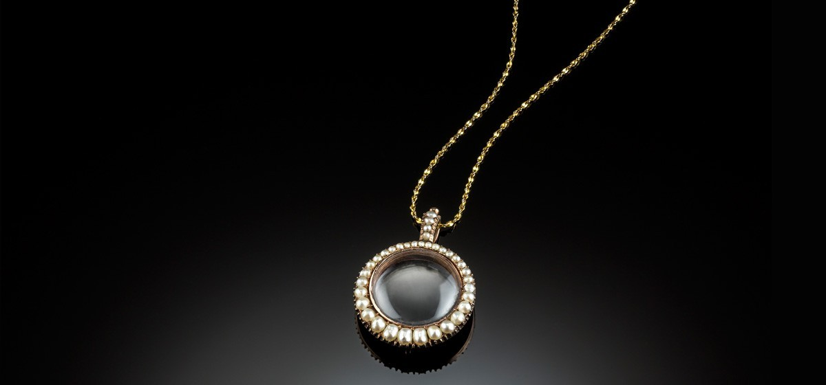 mele your light pendant photograph interweave jewelry professional photographer how better by pearl a article to necklace tahitian in tips from azur lisa