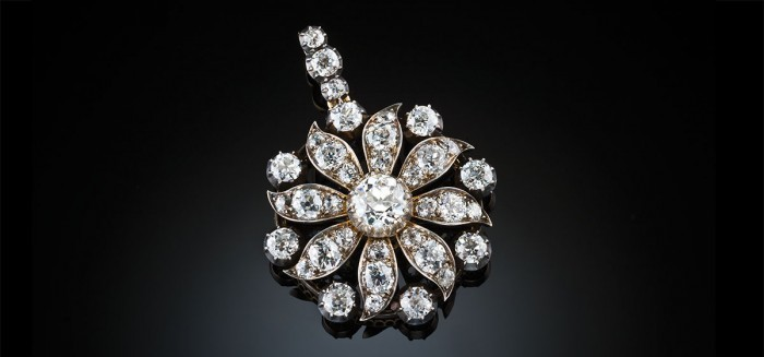 A fine antique diamond pendant / brooch / hair ornament