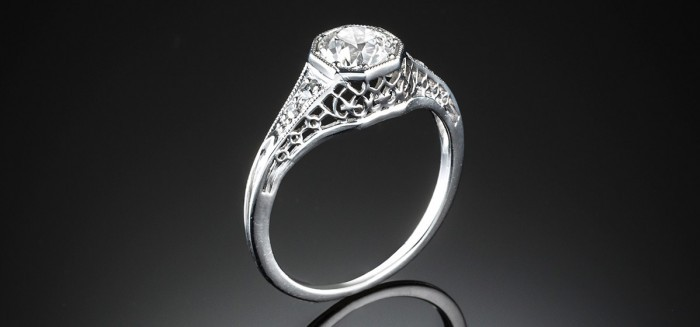 A diamond Ring dated 1918