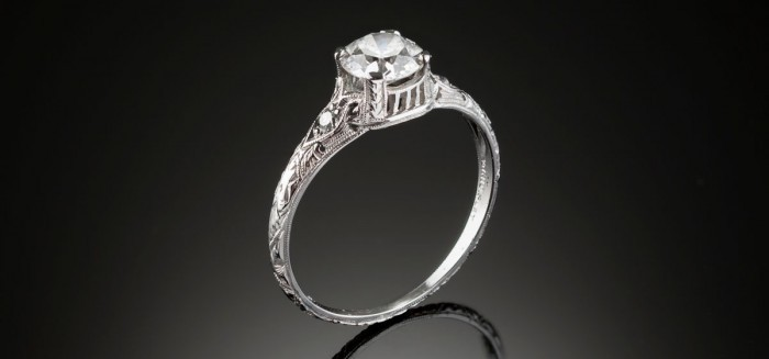 An Art Deco diamond and platinum/iridium ring