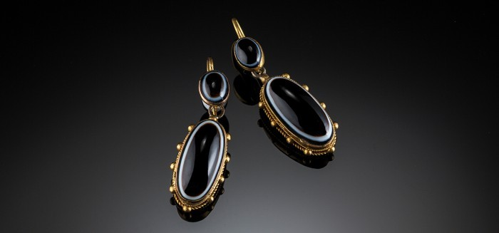 Antique Victorian sardonyx and bloomed gold drop earrings