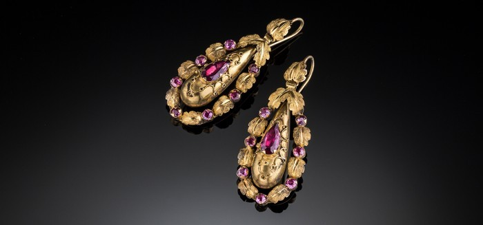 Elaborate Antique bloomed gold and garnet pendant earrings